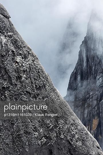 Mount Kinabalu, Borneo, Malaysia - p1316m1161039 von Klaus Fengler
