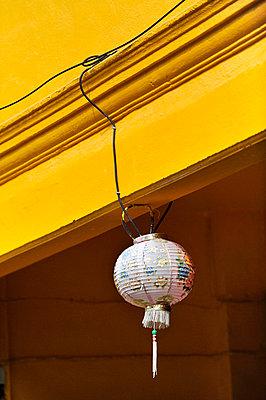 Chinesischer Lampion - p949m658105 von Frauke Schumann
