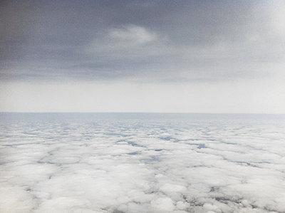 Wolkenmeer - p1670m2253316 von HANNAH