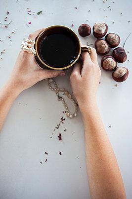 Hands with coffee mug - p312m1471481 by Christina Strehlow