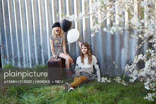 p1348m1215620 by HANDKE + NEU
