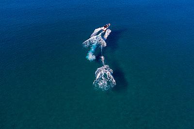 Water skiing - p1437m2107336 by Achim Bunz