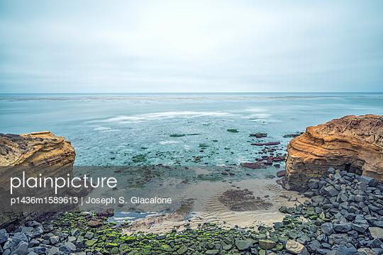 Sunset Cliffs Natural Park - p1436m1589613 von Joseph S. Giacalone