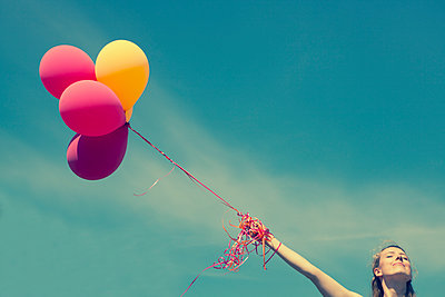 Helium balloon - p045m1139080 by Jasmin Sander