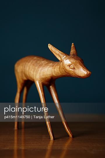Holzfigur - p415m1149750 von Tanja Luther