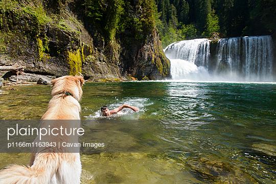 p1166m1163943 von Cavan Images