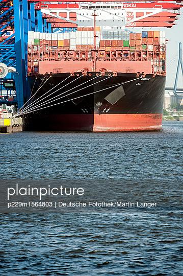 Containerschiff - p229m1564803 von Martin Langer