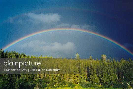 Regenbogen - p1418m1571269 von Jan Håkan Dahlström