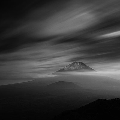 Long exposure view of clouds over Mount Fuji, Yamanashi Prefecture, Japan - p1166m2157089 by Cavan Images