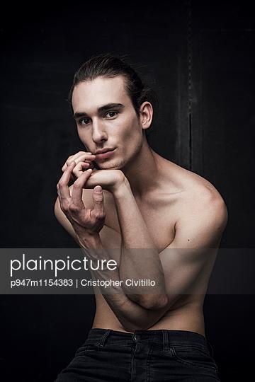 Tänzer - p947m1154383 von Cristopher Civitillo