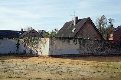Abandoned - p1043m954028 by Ralf Grossek