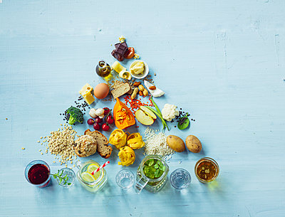 Vegetarian Diet Food Pyramid - p1053m1538170 by Joern Rynio