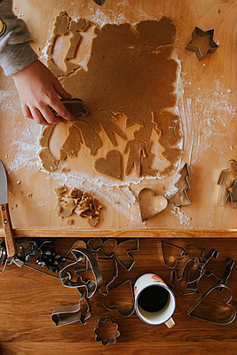 Ginger bread cookies - p1507m2172831 by Emma Grann