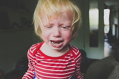 Portrait of crying toddler girl - p300m2160560 by Irina Heß