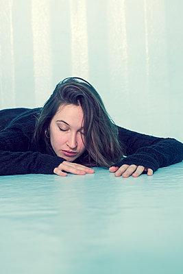 Fallen woman - p1621m2258554 by Anke Doerschlen