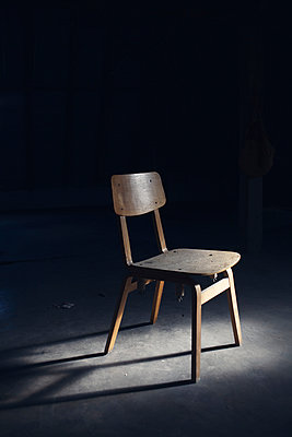 Wooden chair - p586m933156 by Kniel Synnatzschke