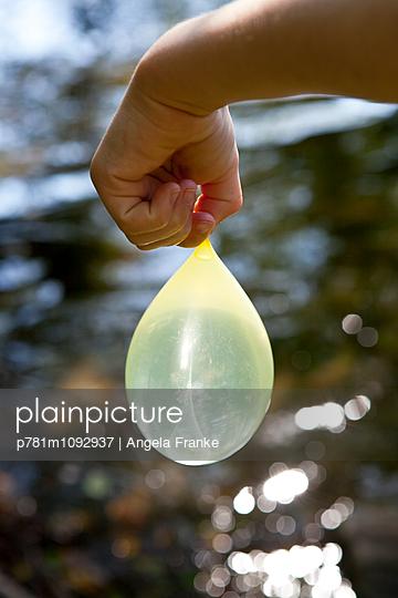 Wasserblase - p781m1092937 von Angela Franke