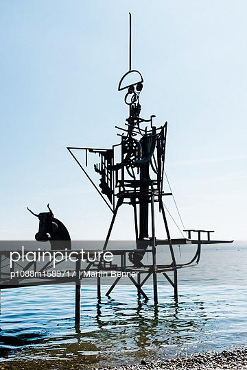 Skulptur am See - p1088m1589717 von Martin Benner