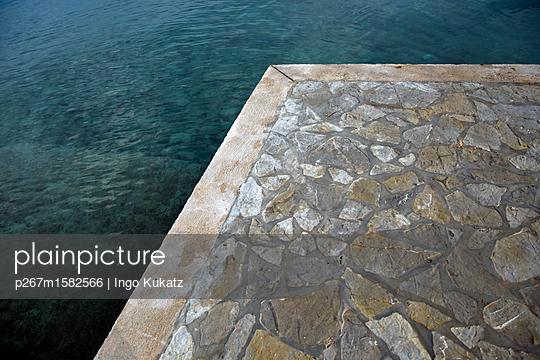 Uferpromenade - p267m1582566 von Ingo Kukatz