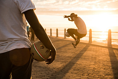 Freestyle Football - p1142m966098 by Runar Lind