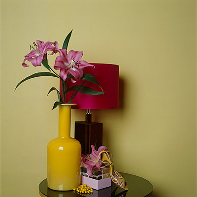 Yellow still life with big Lilies - p1311m1136873 by Stefanie Lange