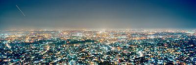 Jaipur City in der Nacht  - p362m1541447 von André Wagner