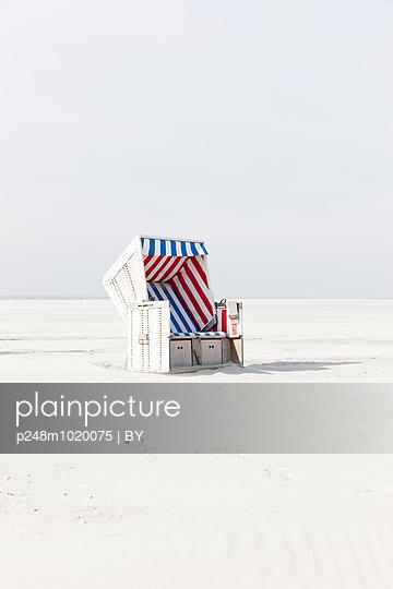 Beach chair - p248m1020075 by BY
