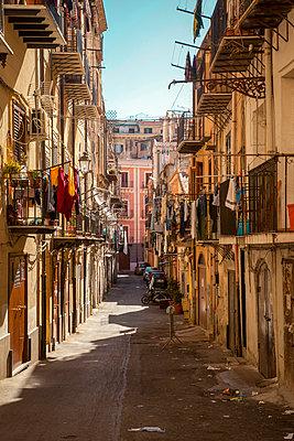 Alley in Palermo - p382m2196290 by Anna Matzen
