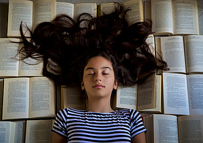 Dreaming on books - p1623m2209924 by Donatella Loi