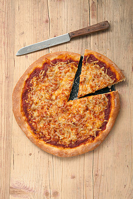 Pizza - p4541621 by Lubitz + Dorner