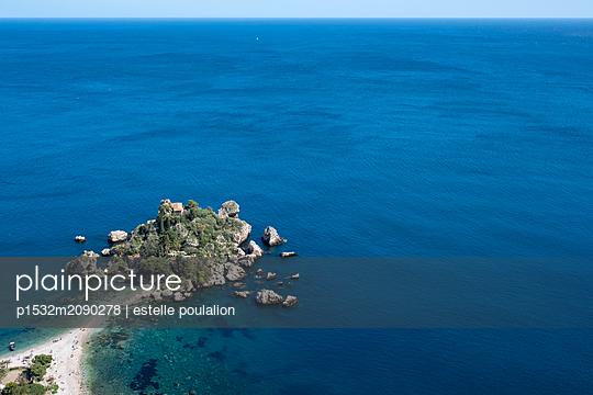 Seascape - p1532m2090278 by estelle poulalion
