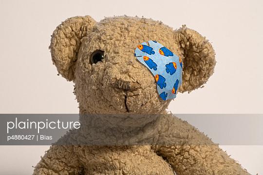Teddy mit Pflaster - p4880427 von Bias