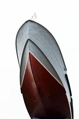 Ship bow - p1063m2151397 by Ekaterina Vasilyeva
