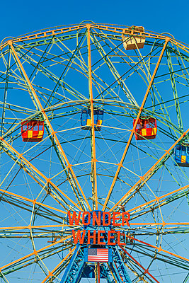 Coney Island Wonder Wheel - p1280m1105173 by Dave Wall