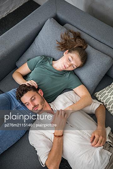 p276m2115146 by plainpicture