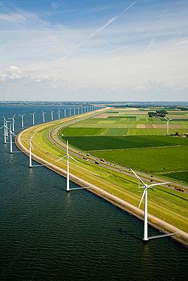 Wind power along the highway II - p1120m899972 by Siebe Swart
