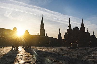 Russia, Moscow, People on the Red Square - p300m2059542 von William Perugini