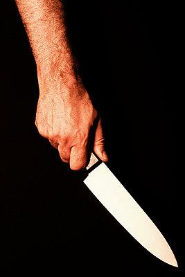 Hand mit Messer - p3300517 von Harald Braun