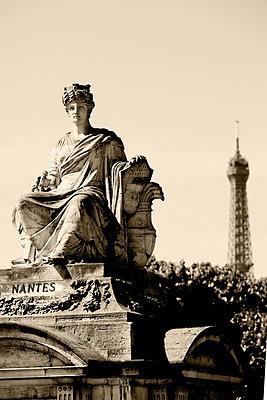 Statue in Paris - p4450510 von Marie Docher