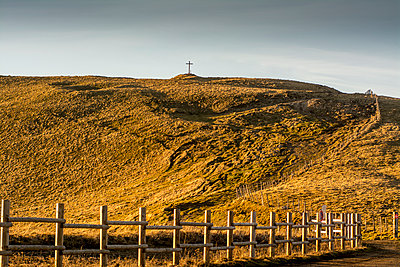 Fence and cross in a landscape - p813m1119999 by B.Jaubert