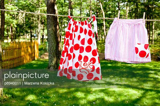 Röcke auf der Wäscheleine - p8940011 von Marzena Kosicka