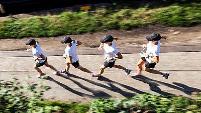 Läufering - p953m972589 von Benoit Audureau