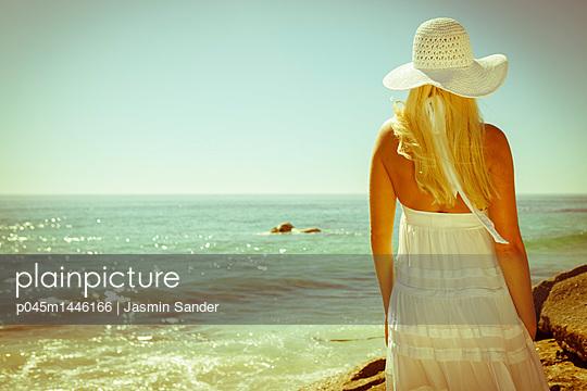 p045m1446166 by Jasmin Sander