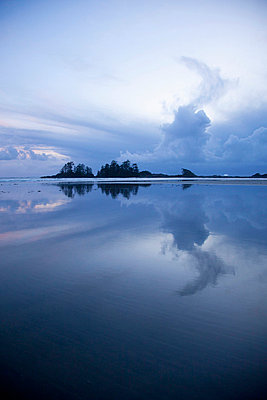 clouds at sunset over chesterman's beach and frank's island near tofino; british columbia canada - p44213708f by Deddeda