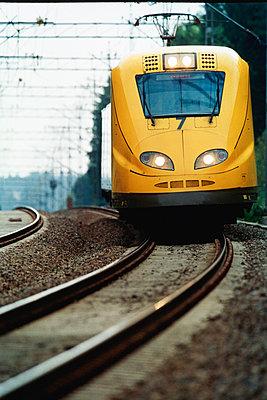 Yellow high speed train - p1418m1571441 by Jan Håkan Dahlström