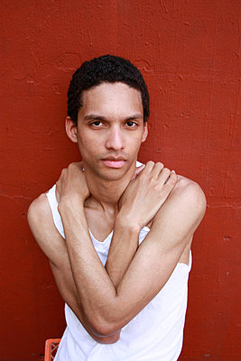 Young man in New York - p2580254 by Katarzyna Sonnewend