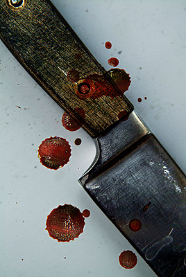 Bloody knife - p3750175 by whatapicture