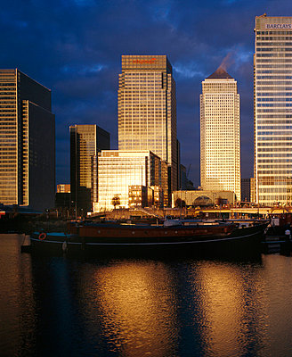 Canary Wharf, Docklands, London. - p8550206 by David Churchill