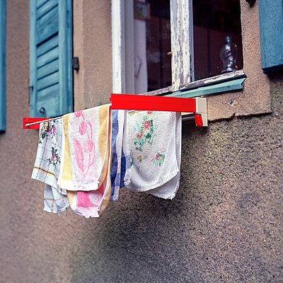 Towel rail - p989m939847 by Gine Seitz