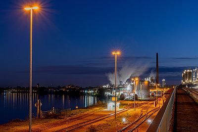 Industrial plant with freight station - p401m2228392 by Frank Baquet